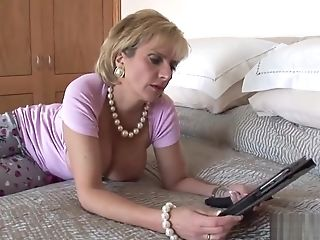Cheating english mature lady sonia flaunts her monster melons