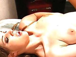 Wild fucking between a large dick guy and stunning babe Temptress