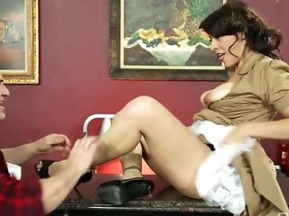 Whorish milf Raylene hooks up with elder waiter right in the coffee