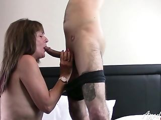 British Mature lady got her hungry pleasure hole drilled really hard
