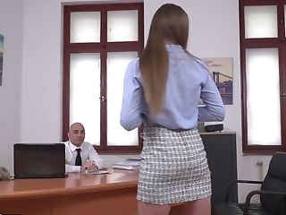 Ukrainian secretary Sarah Sultry provides her boss with an unforgettable pleasure