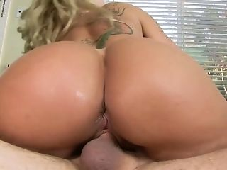 Lewd milf with sexy tan lines Ryan Conner goes wild on a hard and thick dick