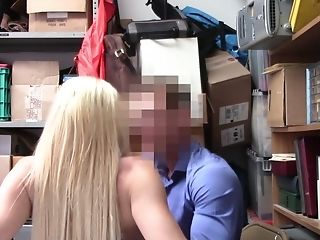 Cop helps to handle this shoplifter's legal troubles by fucking her