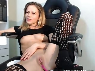 Charming Blonde Plays With Her Juicy Vagina