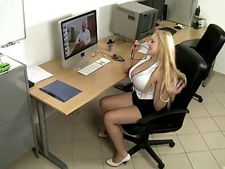Fake-titted blondie Audrey Argento having her pussy fucked hard